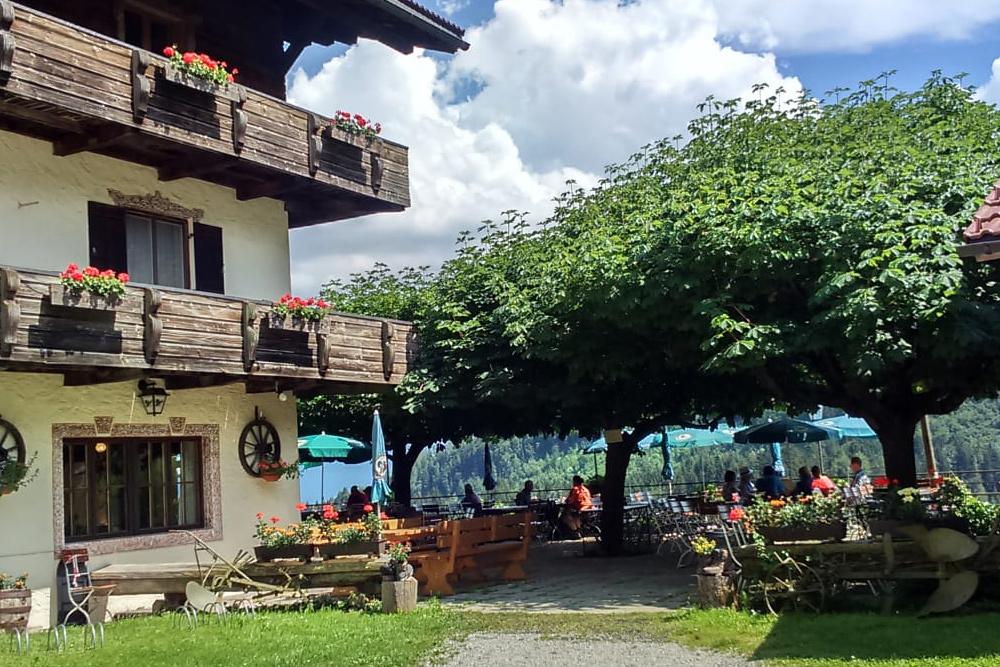 Biergarten - Berggasthof Hocheck