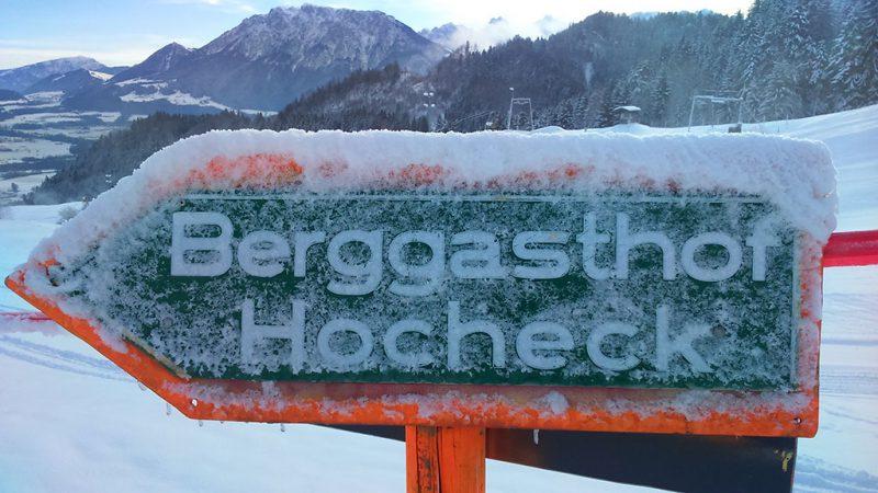 Wegweiser zum Berggasthof Hocheck