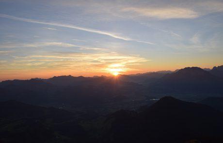 Sonnenaufgang am Brünnstein