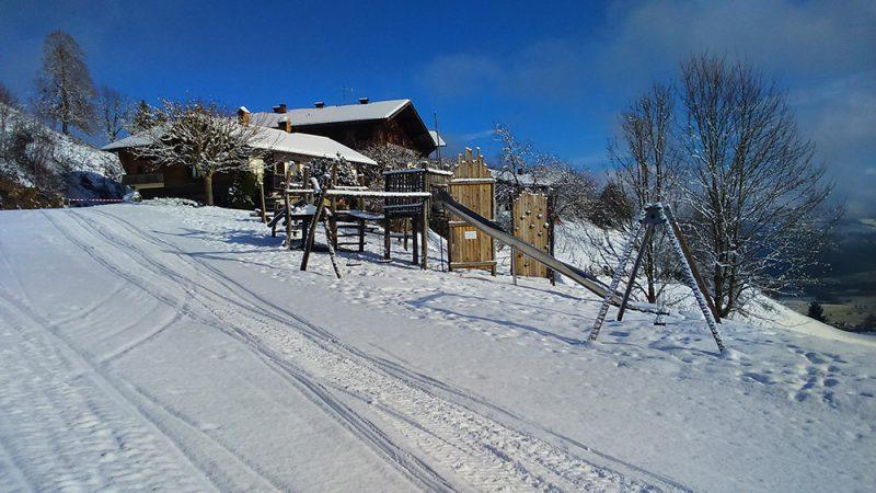 Spielplatz auf dem Hocheck im Winter
